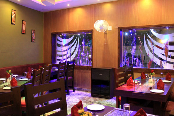 places-to-eat-in-udaipur-rockkwood-restaurants